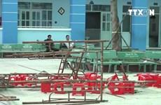 [Video] Hiện trường sập giàn giáo làm hàng chục học sinh bị thương