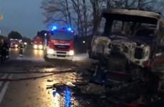 Italy: Trạm xăng bất ngờ cháy nổ khi bơm nhiên liệu, 19 thương vong