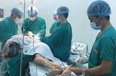 Bình Phước: Cứu sống bệnh nhân bị đạn găm trúng cổ, sốc mất máu nặng