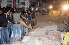 Ấn Độ: Sập tường nhà cổ làm 4 người chết, 4 người bị thương