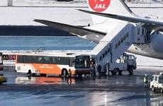 Máy bay Japan Airline gặp sự cố trượt khỏi đường băng khi hạ cánh