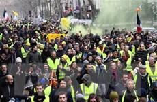 """Pháp: Phe """"Áo vàng"""" xuống đường biểu tình tuần thứ 12 liên tiếp"""