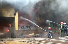 Cháy tổ hợp khách sạn-karaoke ở Vinh: Một nữ nhân viên phục vụ tử vong