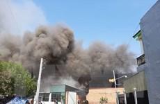 Bình Dương: Hỏa hoạn thiêu rụi toàn bộ xưởng sản xuất đồ gỗ 1.000m2