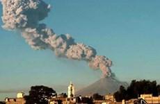 Núi lửa Popocatepetl phun nham thạch, Mexico nâng mức cảnh báo
