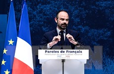 Thủ tướng Pháp kêu gọi cắt giảm thuế để đối phó với làn sóng biểu tình
