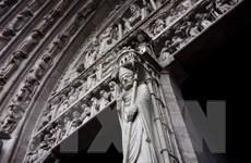 'Hàng rào sống' đã cứu 90% thánh tích, các bảo vật vô giá của Nhà thờ