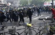 Pháp: Tổng thống cắt giảm thuế vẫn không ngăn được 'Áo vàng' biểu tình