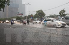 Mưa đầu mùa gây ngập nhiều tuyến đường tại Thành phố Hồ Chí Minh