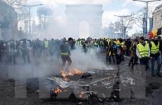 Pháp: Các cuộc biểu tình của phe 'Áo vàng' biến thành bạo động