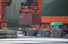 Nhật Bản thừa nhận nền kinh tế nước này đang bị 'suy yếu đi'