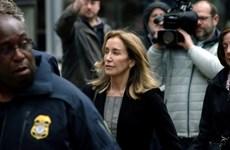 Bê bối 'chạy trường' tại Mỹ: Nữ diễn viên Felicity Huffman nhận tội