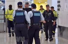 [Video] Australia bắt giữ thanh niên 18 tuổi mang dụng cụ chế tạo bom