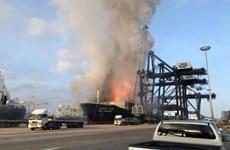 Thái Lan: Cháy nổ tàu chở hàng đang đậu trong cảng, 25 người bị thương