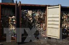 Tàu Philippines chở 69 container rác thải đưa trở lại Canada