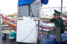Phát hiện, xử phạt hành vi bán dầu trái phép trên biển Nghệ An