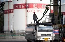 Giá dầu thô tiếp nối đà tăng trên thị trường châu Á