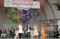 Uyên Linh, Quỳnh Anh biểu diễn tại Lễ hội Việt Nam ở Nhật Bản
