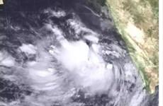 Bão lớn đổ bộ vào miền Tây, Ấn Độ sơ tán khẩn cấp 300.000 người dân