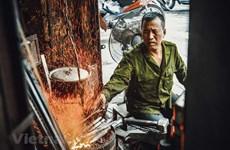 [Video] Người thợ rèn cuối cùng của phố cổ Hà Nội