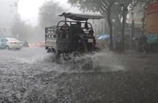 Bắc Bộ mưa dông diện rộng, Trung Bộ tiếp tục nắng nóng gay gắt