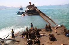 Đã kiểm soát được nguy cơ tràn dầu từ tàu chìm tại đảo Phú Quý