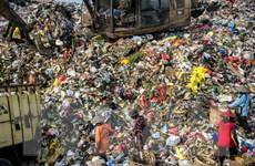 Indonesia gửi trả Australia 8 container chứa hơn 200 tấn rác thải