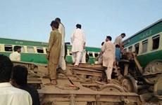 Pakistan: Hai đoàn tàu hỏa đâm trực diện, gần 80 người thương vong