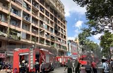 TP. HCM: Ký túc xá bốc cháy dữ dội, 28 sinh viên mắc kẹt bên trong