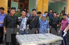 Hòa Bình: Bắt quả tang vụ vận chuyển trái phép 100 bánh heroin