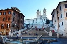 Du khách sẽ bị phạt 450 USD nếu ngồi lên Bậc thang Tây Ban Nha ở Rome