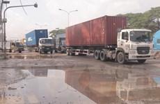 Bình Dương: Mất an toàn giao thông vì 'ổ voi' trên đường ĐT 743