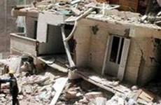 Tòa nhà 3 tầng đang xây dựng đổ sập khiến ít nhất 15 người thiệt mạng