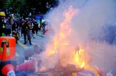 Hong Kong: Người biểu tình ném bom xăng làm ga tàu điện ngầm hỏng nặng