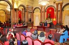 Phó Chủ tịch nước gặp mặt các nhà khoa học nữ ngành giáo dục