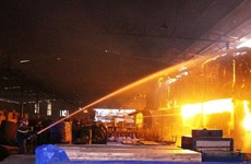 Bình Phước: Lửa thiêu rụi xưởng viên nén mùn cưa trong khu công nghiệp
