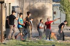 Iraq: Hàng nghìn người biểu tình đốt phá trụ sở chính quyền địa phương