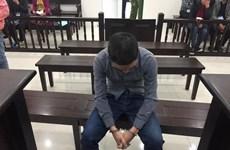 Tuyên án tử hình người cha mất nhân tính đầu độc hai con nhỏ