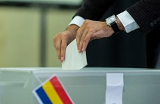 Hơn 18 triệu cử tri Romania đi bỏ phiếu bầu tổng thống vòng hai