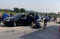 Hai nữ sinh đi xe máy tử vong sau khi va chạm với xe khách