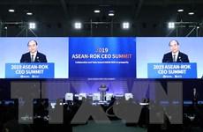 Thủ tướng Nguyễn Xuân Phúc dự Hội nghị thượng đỉnh CEO ASEAN-Hàn Quốc