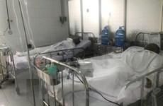 Vừa chiết xăng vừa hút thuốc lá, 4 người trong gia đình bị bỏng nặng