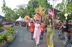 Việt Nam quảng bá du lịch tại Lễ hội đường phố Denpasar ở Indonesia