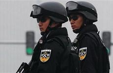 Trung Quốc: Bắn hạ người đàn ông có súng bắt giữ 3 con tin