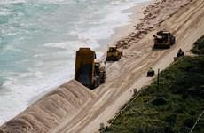 Mỹ chi hàng chục triệu USD bồi cát cho bờ biển nổi tiếng Miami