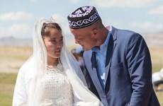 Hơn 3.200 cặp đôi kết hôn trong Ngày Valentine tại Mông Cổ