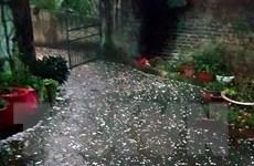 Mưa đá tại Lào Cai gây nhiều thiệt hại về hoa màu và nhà cửa