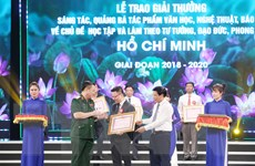 TTXVN nhận giải thưởng báo chí về học tập và làm theo gương Bác Hồ