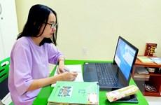 Hà Nội: Hàng chục nghìn học sinh lớp 12 khảo sát chất lượng trực tuyến