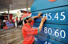 Giá dầu thế giới giảm gần 1% trong phiên giao dịch 13/7